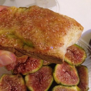 LOOK AT THESE FREAKING FIGS, YOU CAN SPREAD THEM ON TOAST.